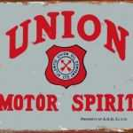 UNION MOTOR OIL REPRODUCTION TIN SIGN.